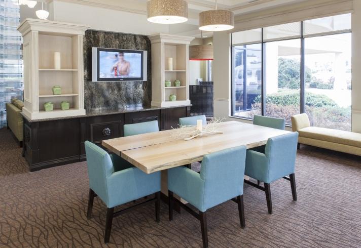 common lobby area guest room_king - Hilton Garden Inn Dallas